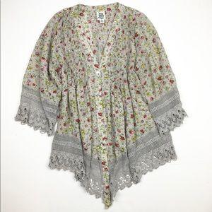 Ivy Jane Pintuck Floral Lace Hem Boho Tunic Top